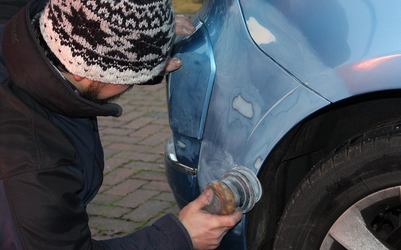 repairing scratches on car
