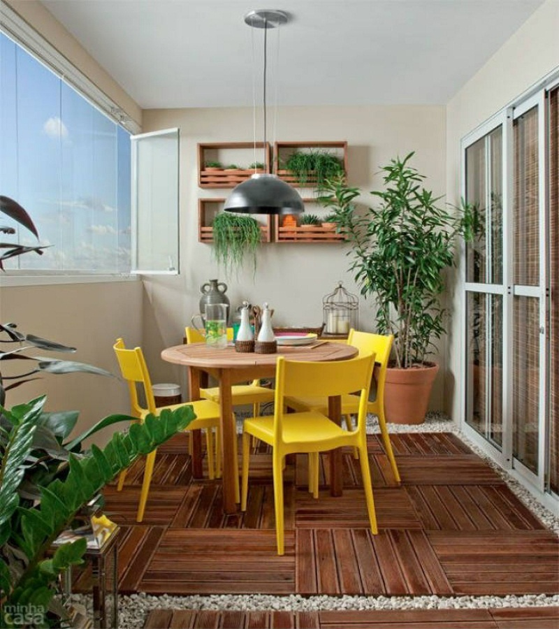 discover small balconies with charm