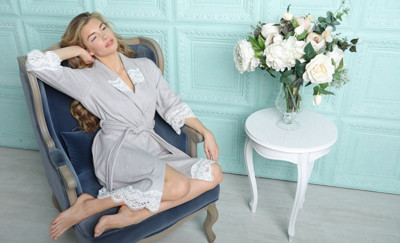 Fashionable Women's Dressing Gowns